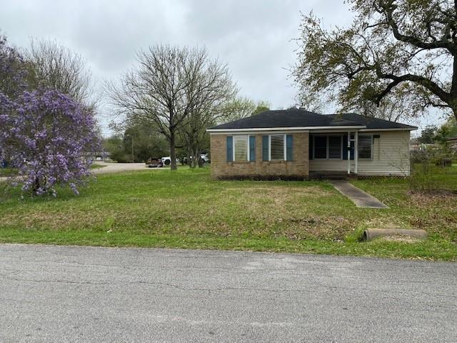 2303 Oaklawn Drive Property Photo