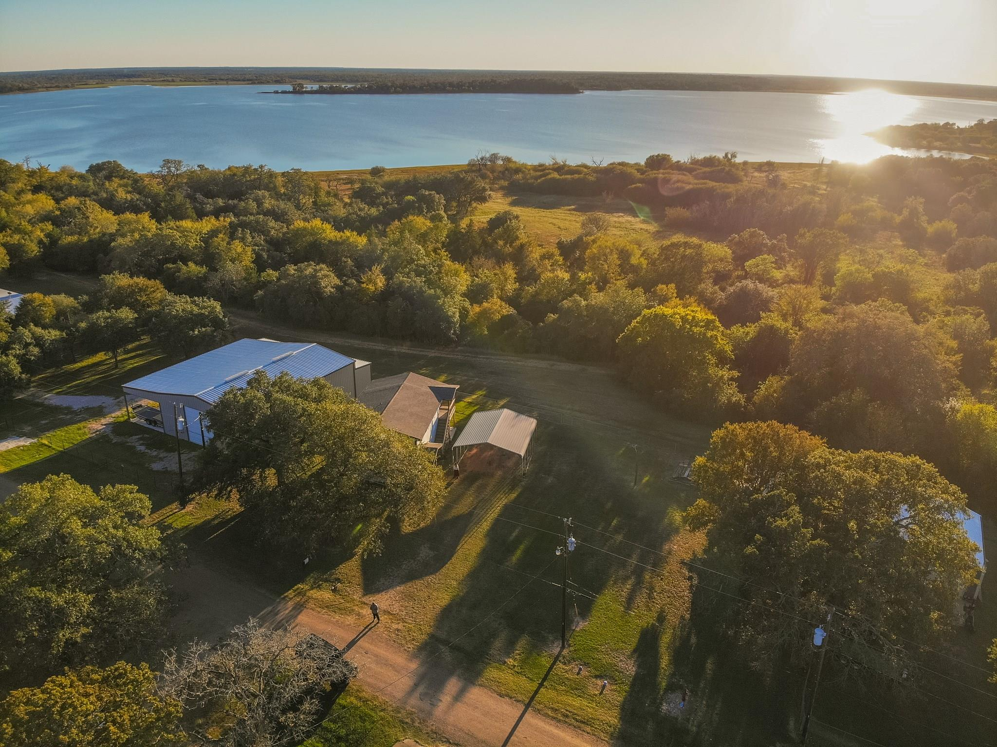 1023 Lakeview Lane Property Photo - Somerville, TX real estate listing