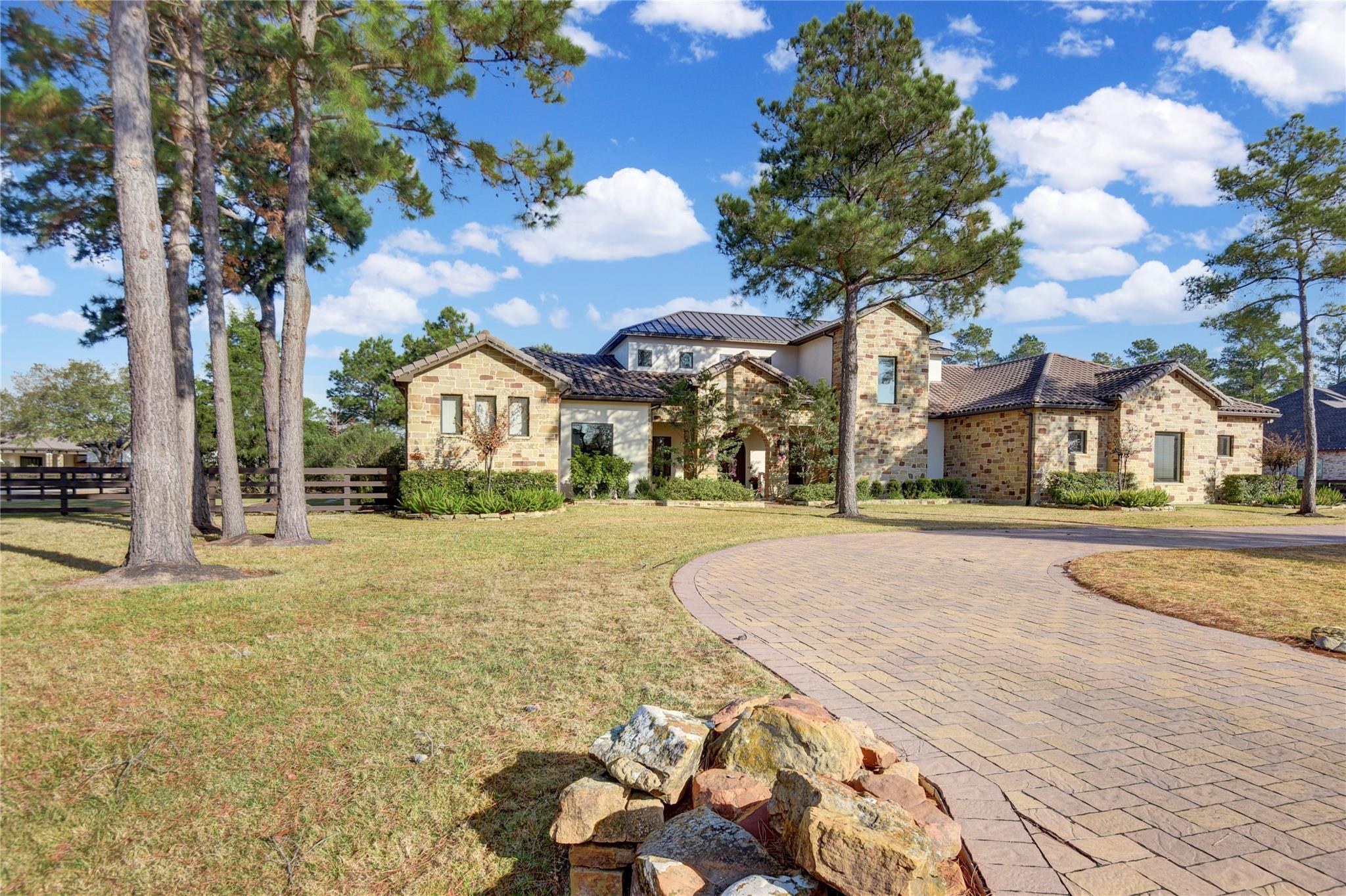 15 Royal King Road Property Photo