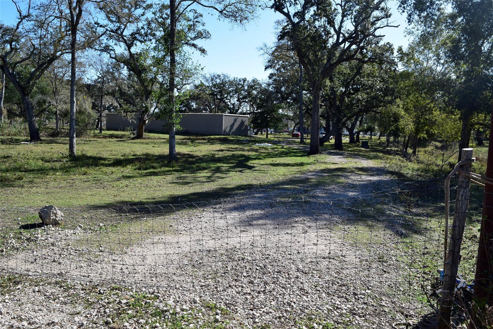 3990 County Road 126 Property Photo - Van Vleck, TX real estate listing