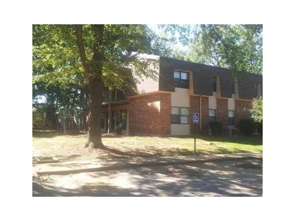 1301 Hermitage Drive Property Photo - Florence, AL real estate listing