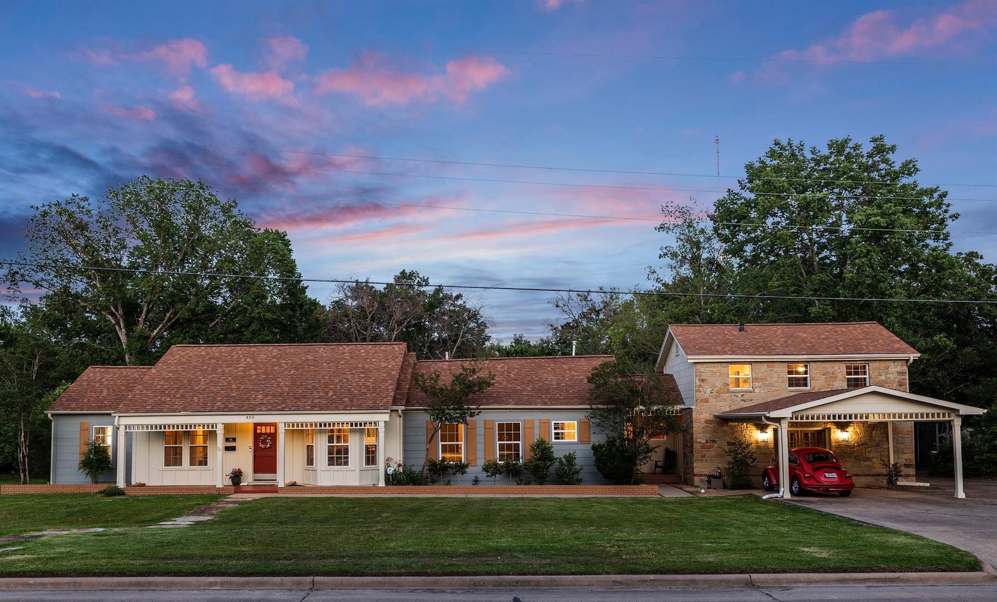 405 Brookside Drive E Property Photo