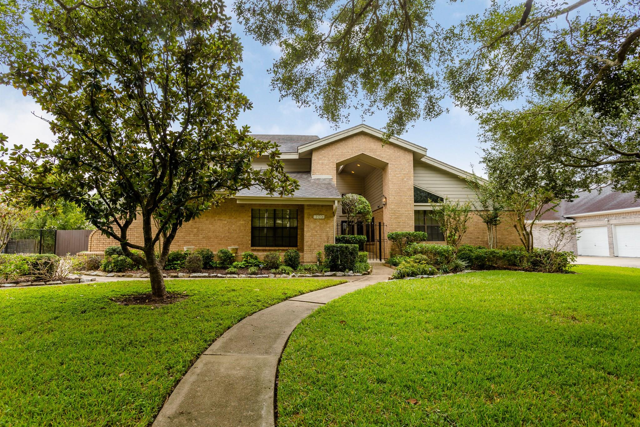 8207 Frontenac Drive Property Photo - Houston, TX real estate listing