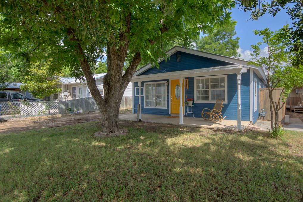 1116 Churchill Drive Property Photo - New Braunfels, TX real estate listing