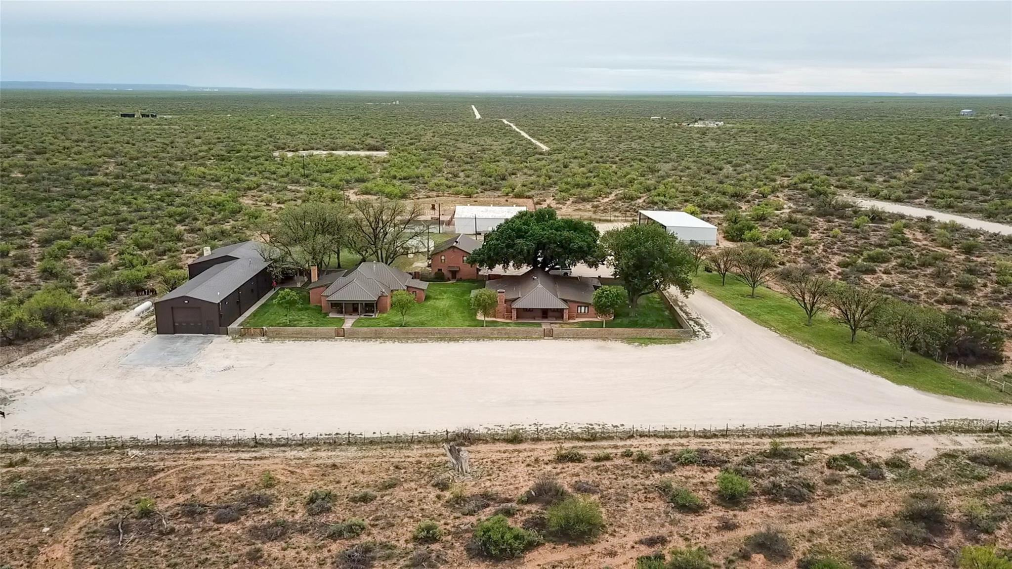 4696 J Bar Ranch Road Property Photo - Crane, TX real estate listing