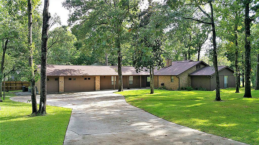 40 Yaupon Court Property Photo - Panorama Village, TX real estate listing
