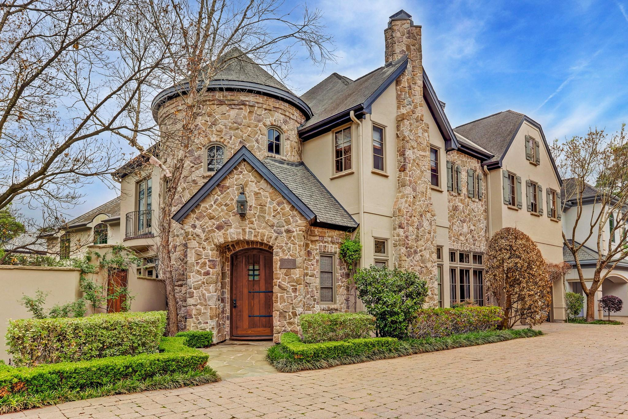 Abbey Woods Real Estate Listings Main Image