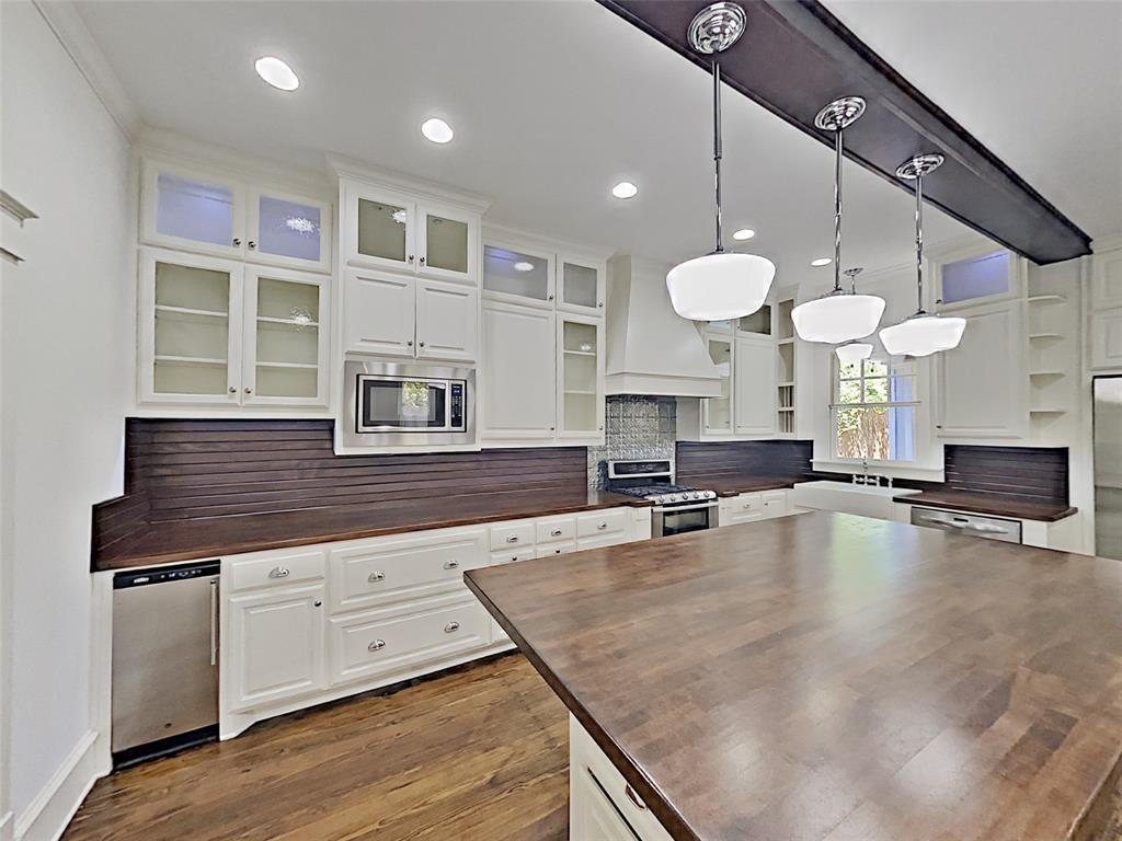 206 S Willomet Avenue Property Photo - Dallas, TX real estate listing