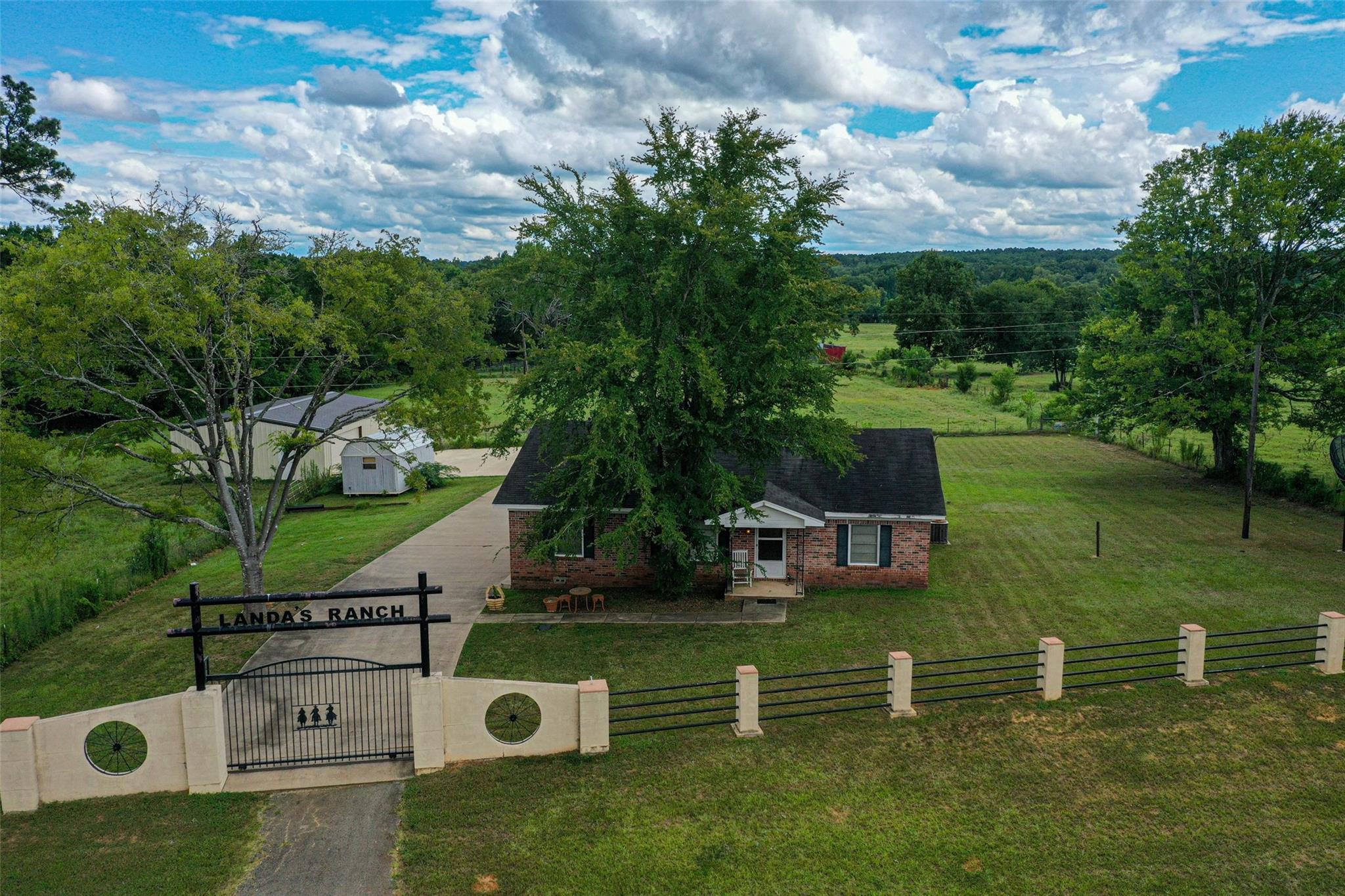 2352 FM 227 E Property Photo - Grapeland, TX real estate listing