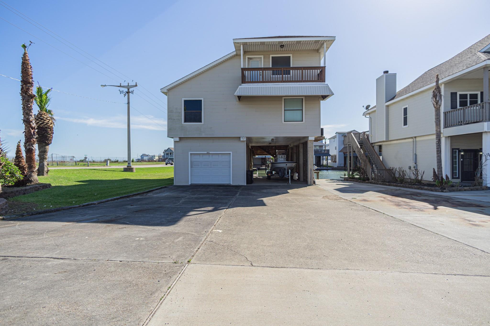 301 Commander Drive Property Photo 1