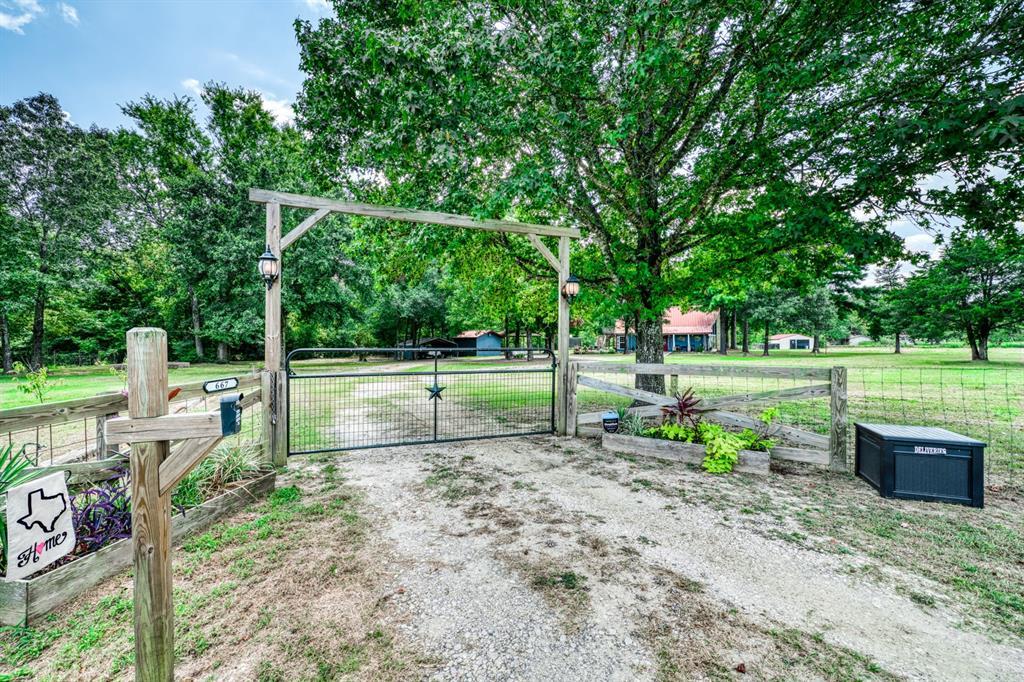 667 Leona Property Photo - Leona, TX real estate listing