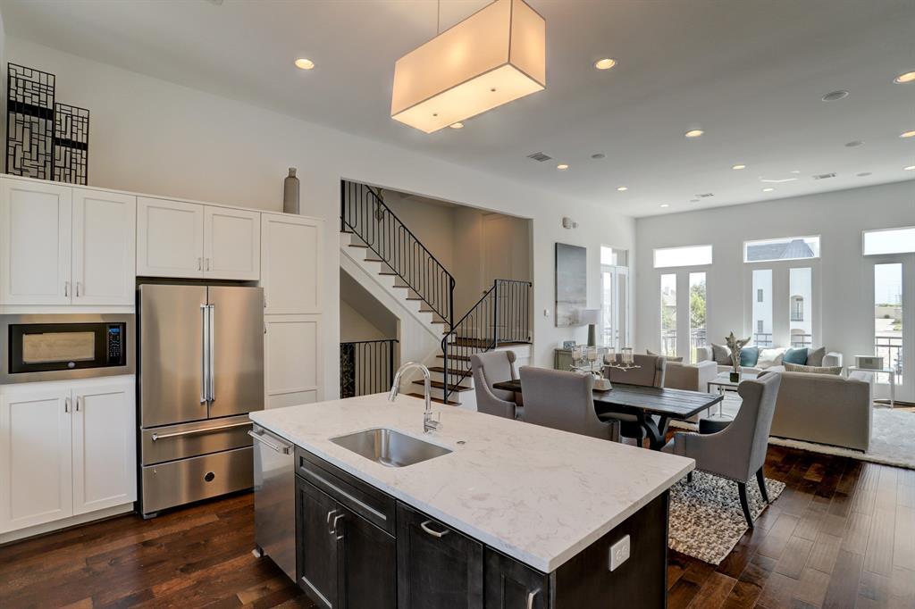 1004 Savannah Cedar Lane, Houston, TX 77043 - Houston, TX real estate listing
