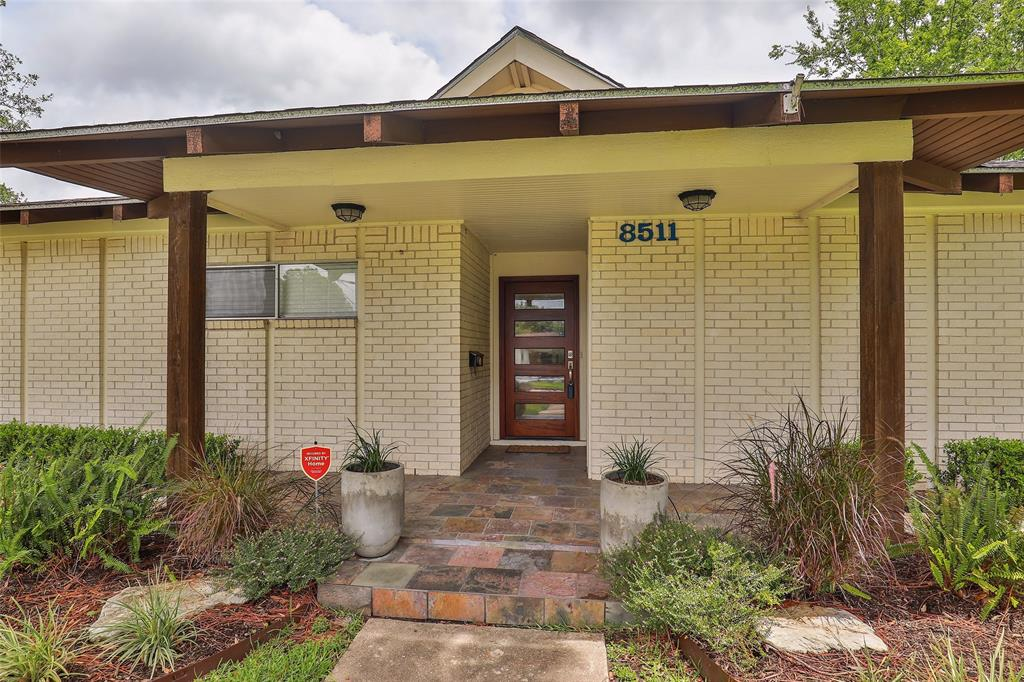 8511 Mullins Drive Property Photo - Houston, TX real estate listing