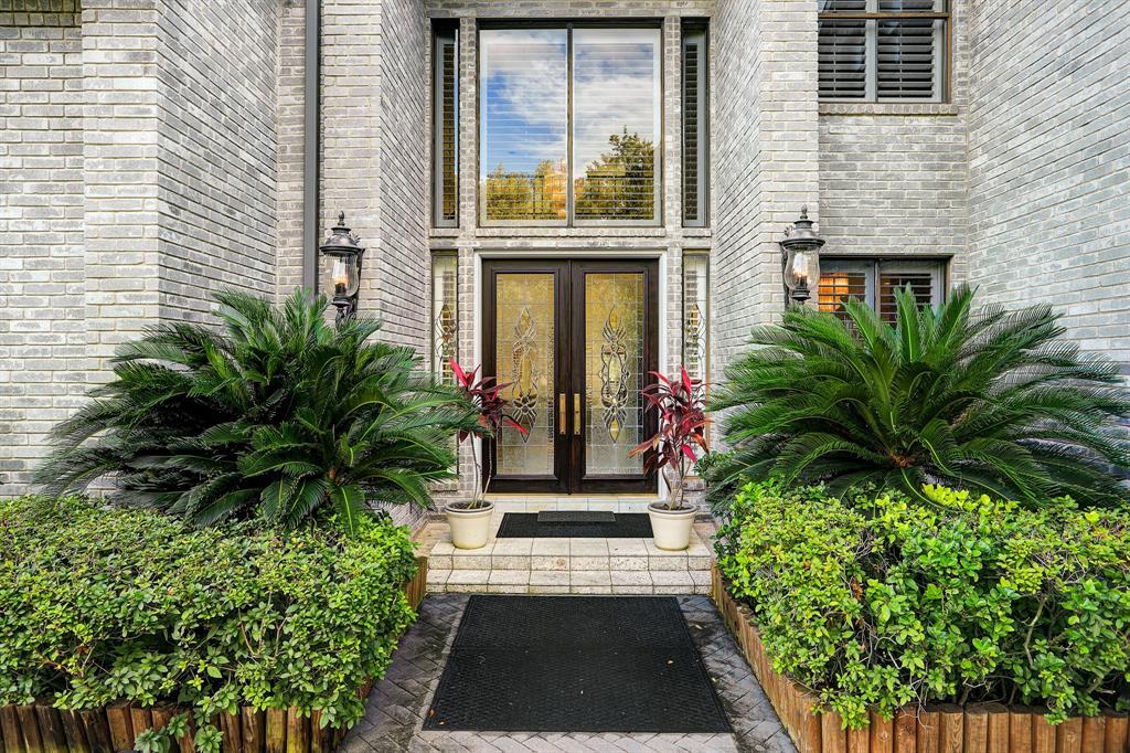 1419 Sugar Creek Boulevard Property Photo - Sugar Land, TX real estate listing