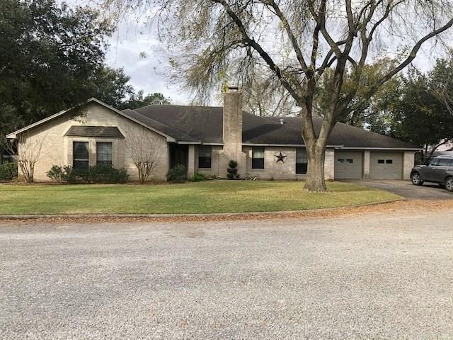 2911 Hutchins Lane, El Campo, TX 77437 - El Campo, TX real estate listing