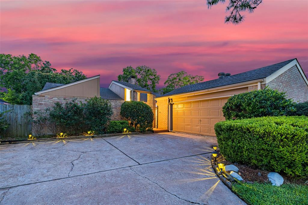 9519 W Airport Boulevard Property Photo - Houston, TX real estate listing