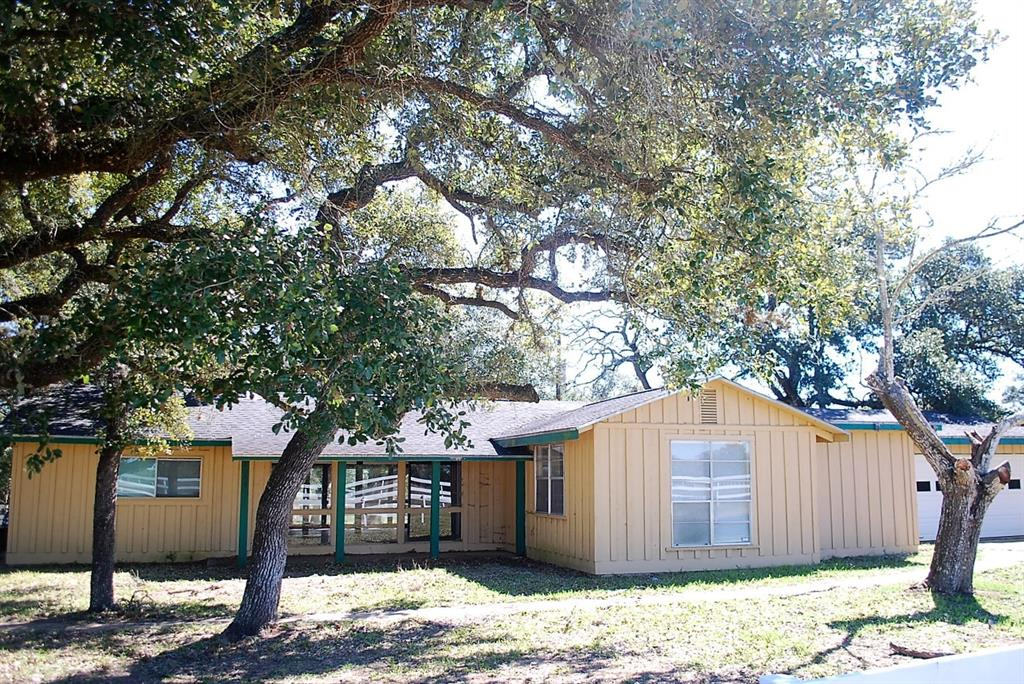 2089 & 2087 CR 106 Property Photo - Columbus, TX real estate listing