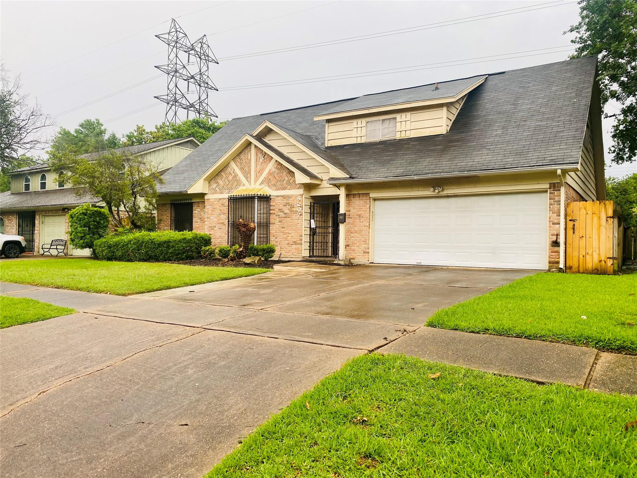 9207 Twin Hills Drive Property Photo
