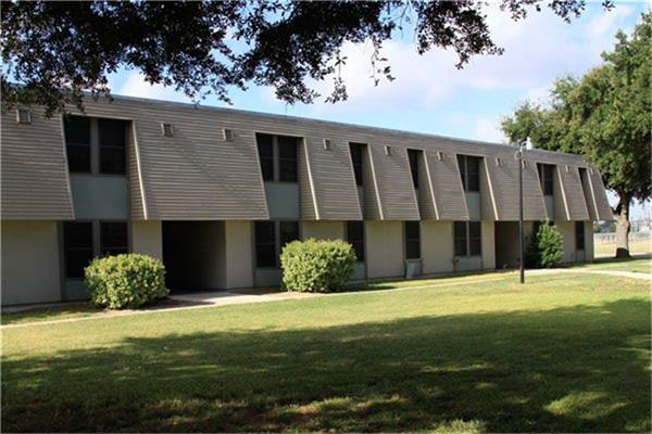 800 N 123 Bypass Property Photo - Seguin, TX real estate listing