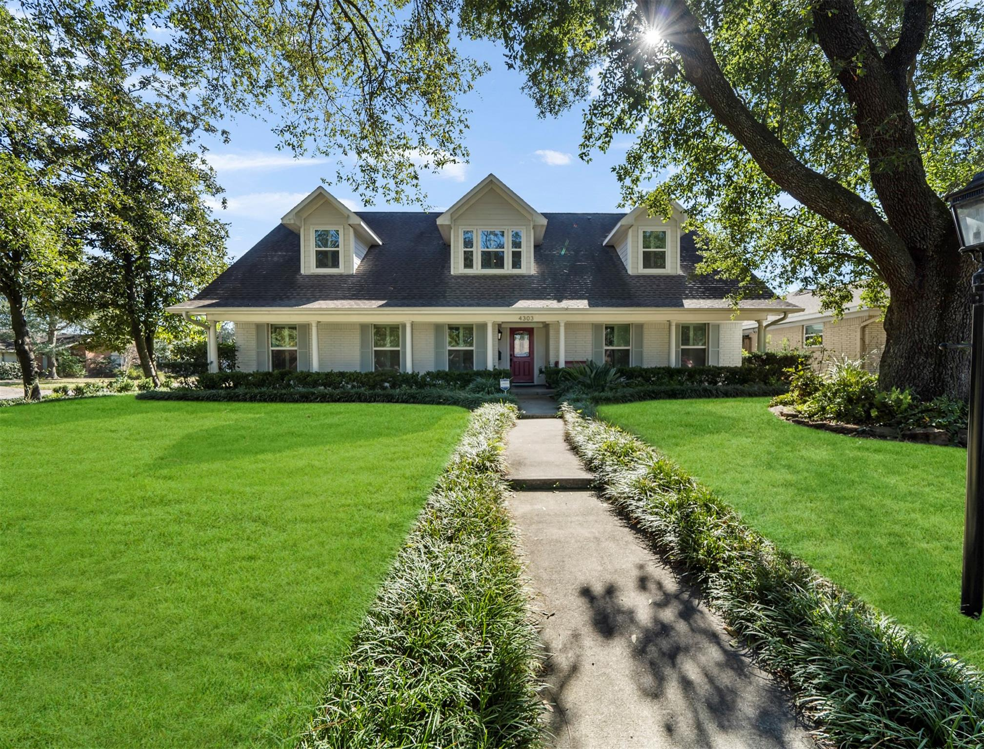 4303 Waynesboro Drive Property Photo - Houston, TX real estate listing