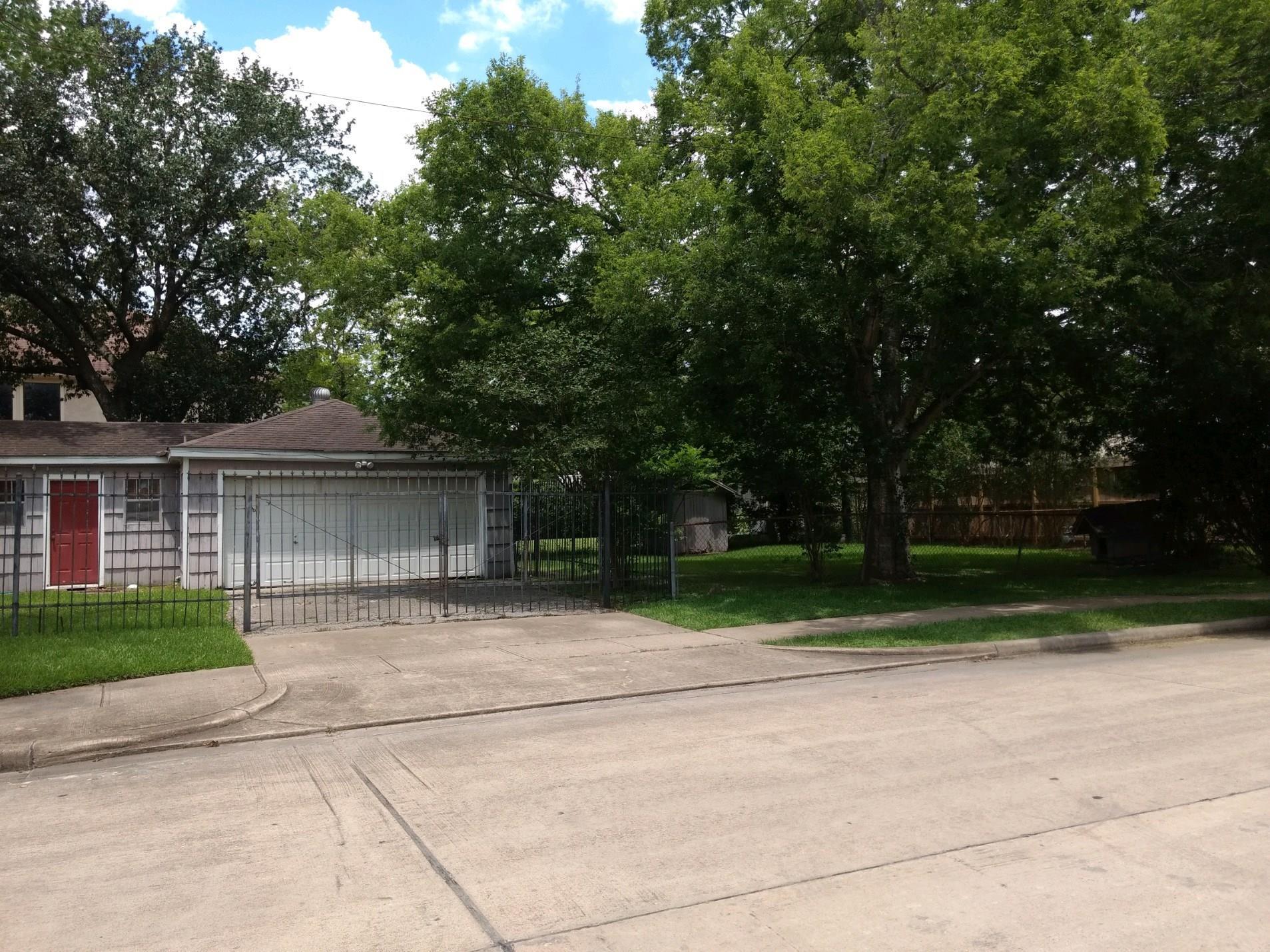 5200 Beech Street Property Photo 1