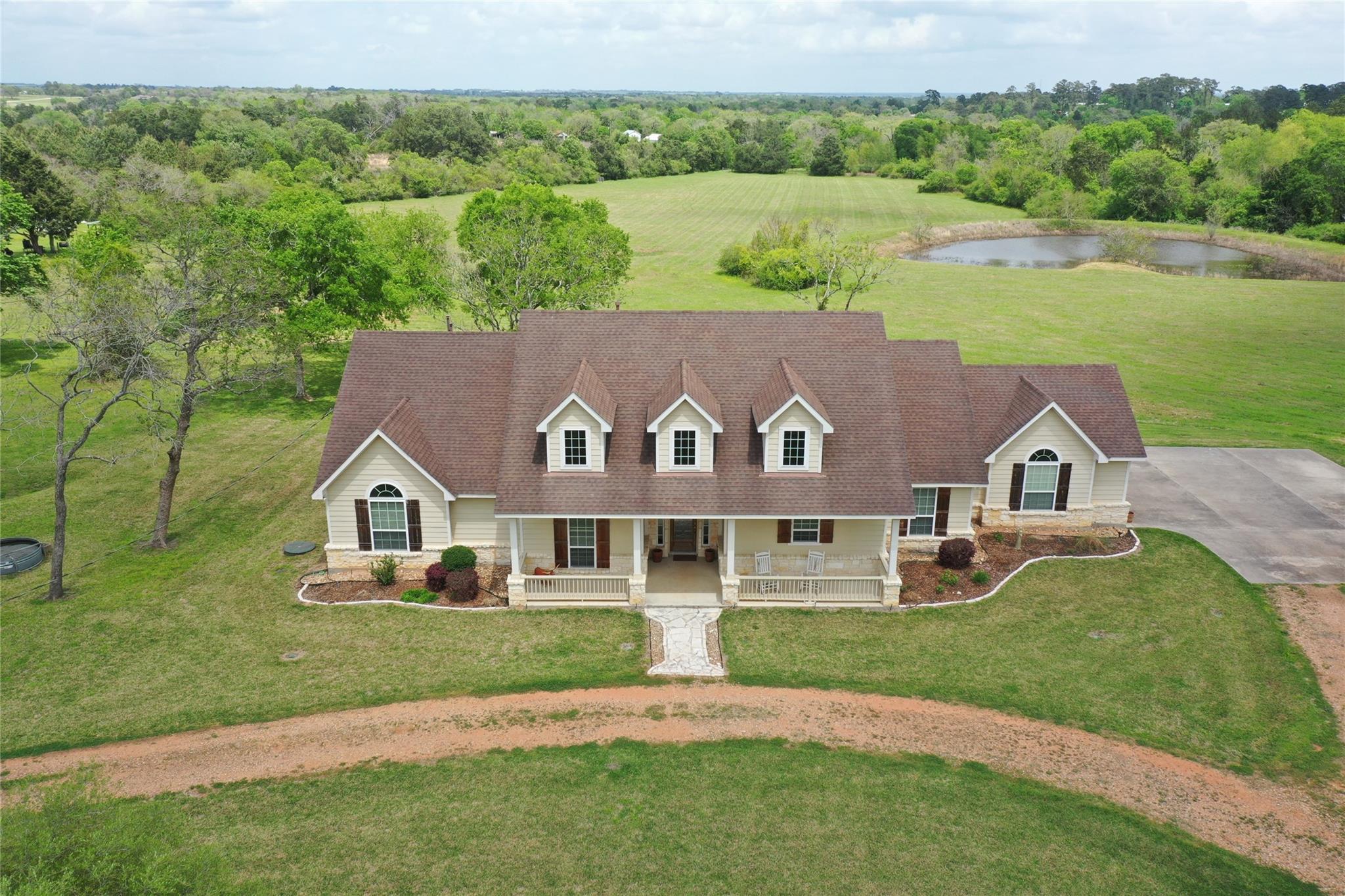 840 E Glenn Street Property Photo 1