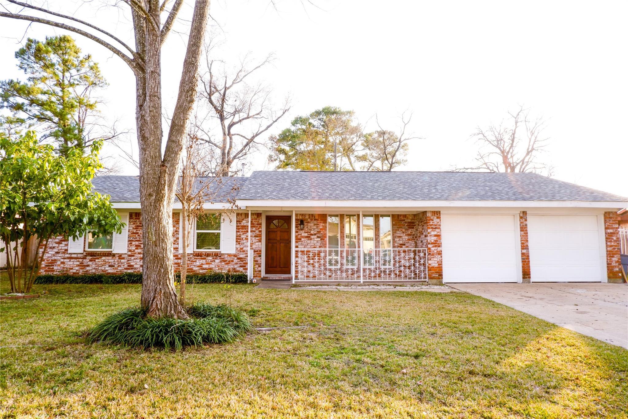 310 Southbrook Circle Property Photo - Houston, TX real estate listing