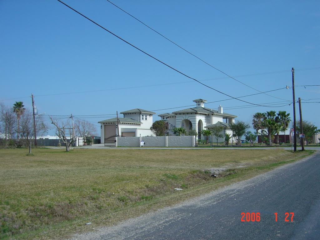 135 1st Street Property Photo - San Leon, TX real estate listing