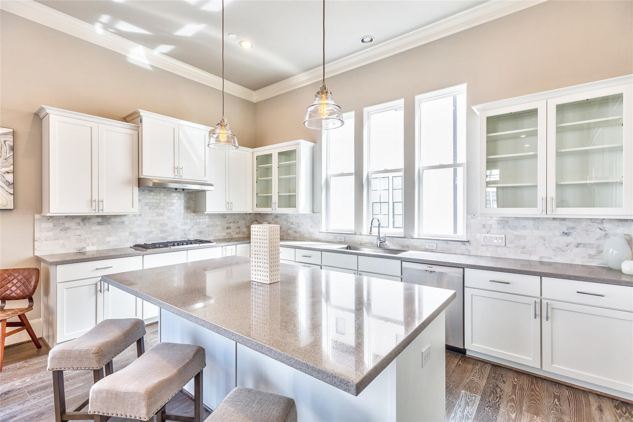 2024 Waterloo Station Road Property Photo - Houston, TX real estate listing