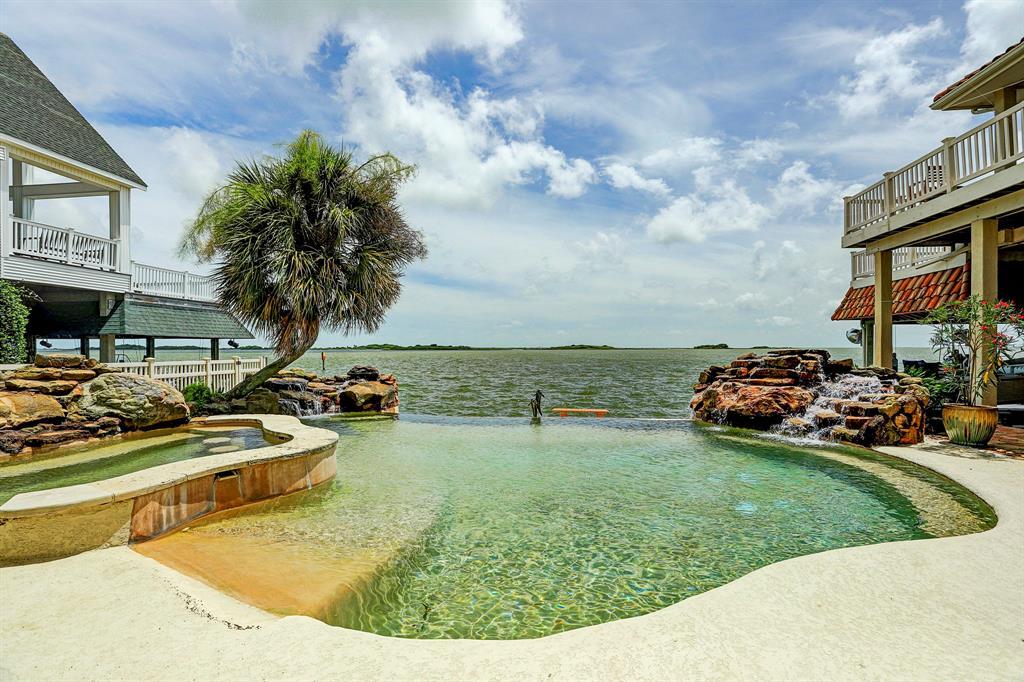 1815 Port O Call Street, Tiki Island, TX 77554 - Tiki Island, TX real estate listing