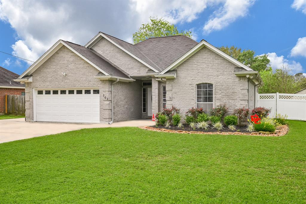 703 Way Avenue, El Campo, TX 77437 - El Campo, TX real estate listing
