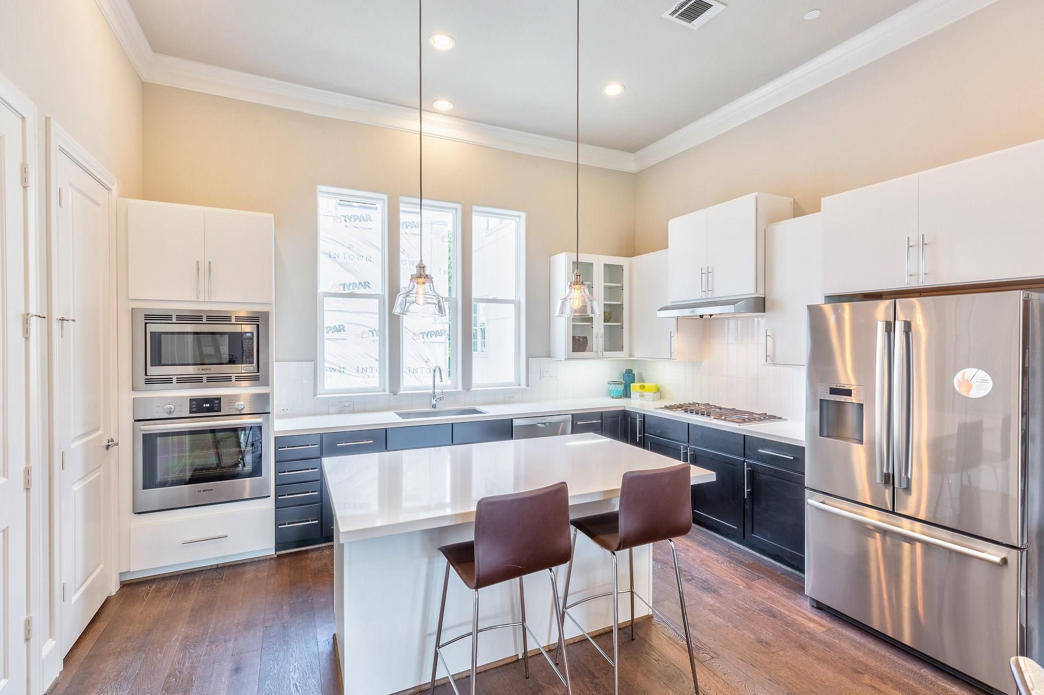 4006 University Grove Street Property Photo - Houston, TX real estate listing