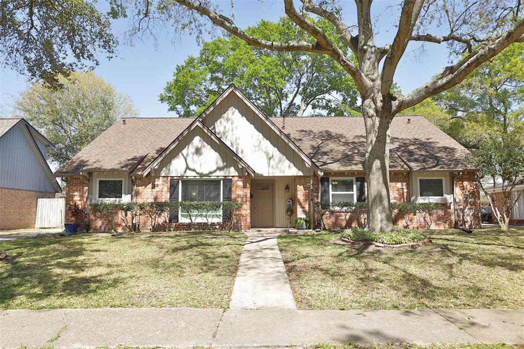 7814 Burning Hills Drive, Houston, TX 77071 - Houston, TX real estate listing
