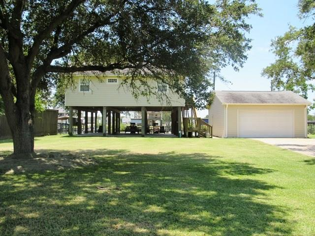 2274 County Road 297 Property Photo - Sargent, TX real estate listing