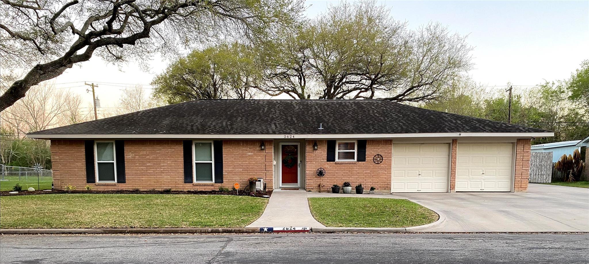 2624 Del Monte Ave Avenue Property Photo - Bay City, TX real estate listing