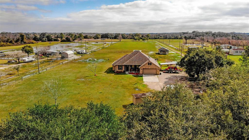 4885 County Road 172 Property Photo - Alvin, TX real estate listing
