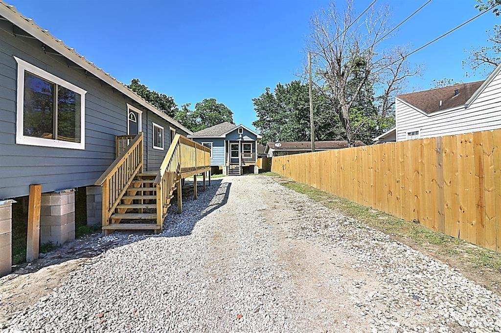 7921 Brays Street Property Photo