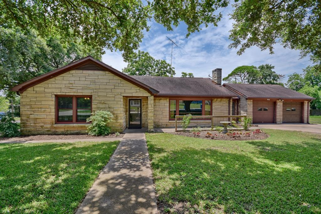 1045 15th Street, Hempstead, TX 77445 - Hempstead, TX real estate listing
