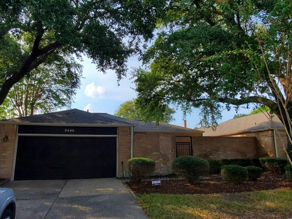 2462 Falls Church Dr Property Photo - Houston, TX real estate listing