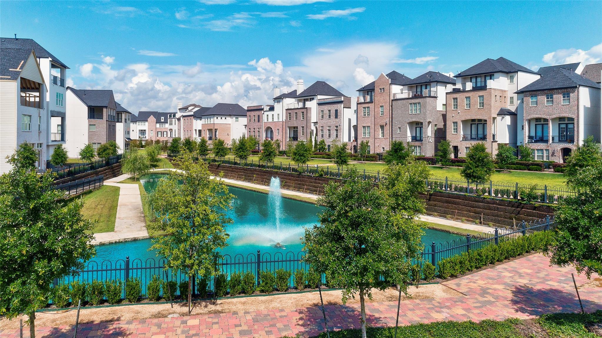 9651 Kings Cross Station Property Photo - Houston, TX real estate listing