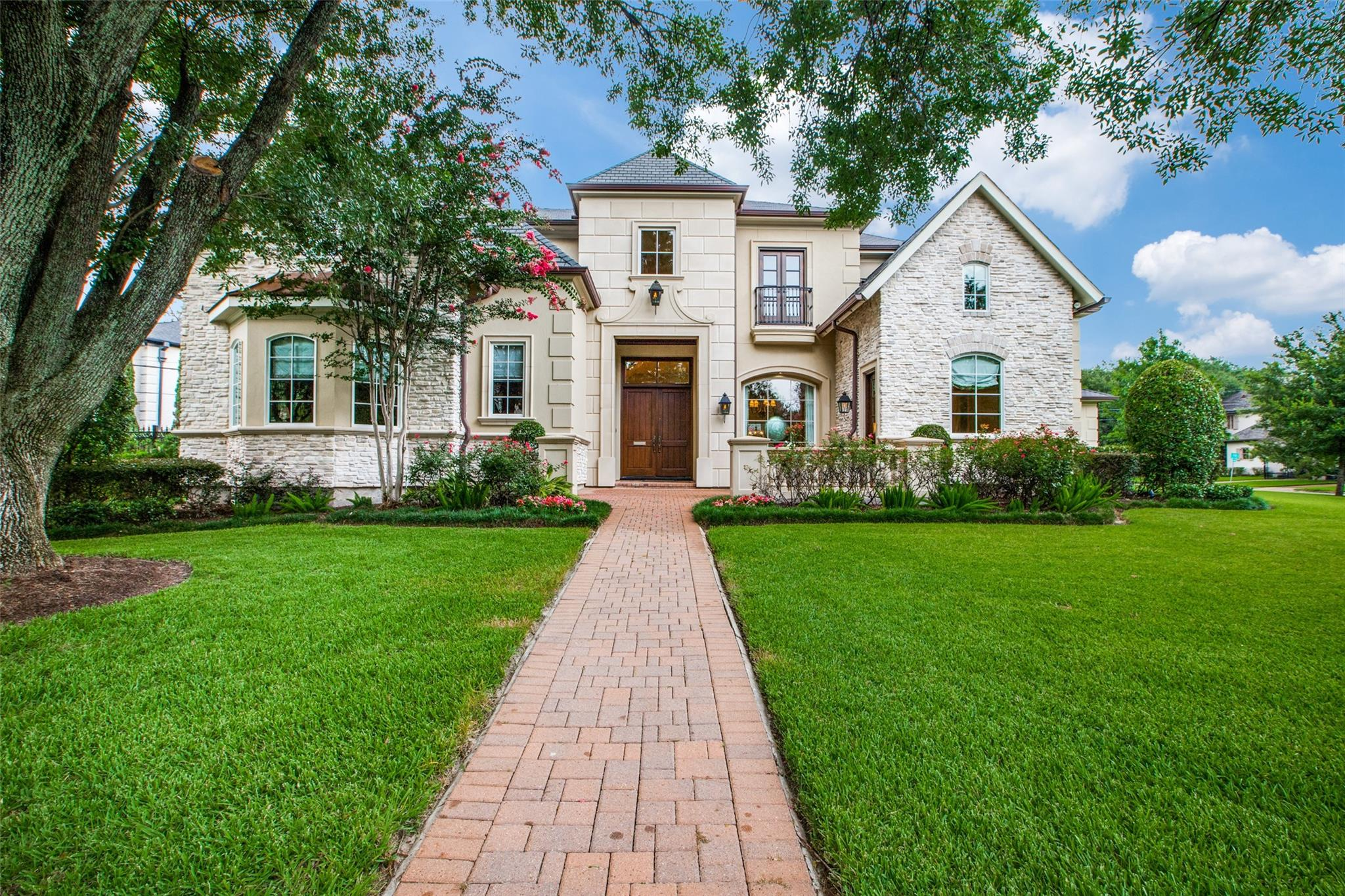 5502 Fieldwood Drive Property Photo 1