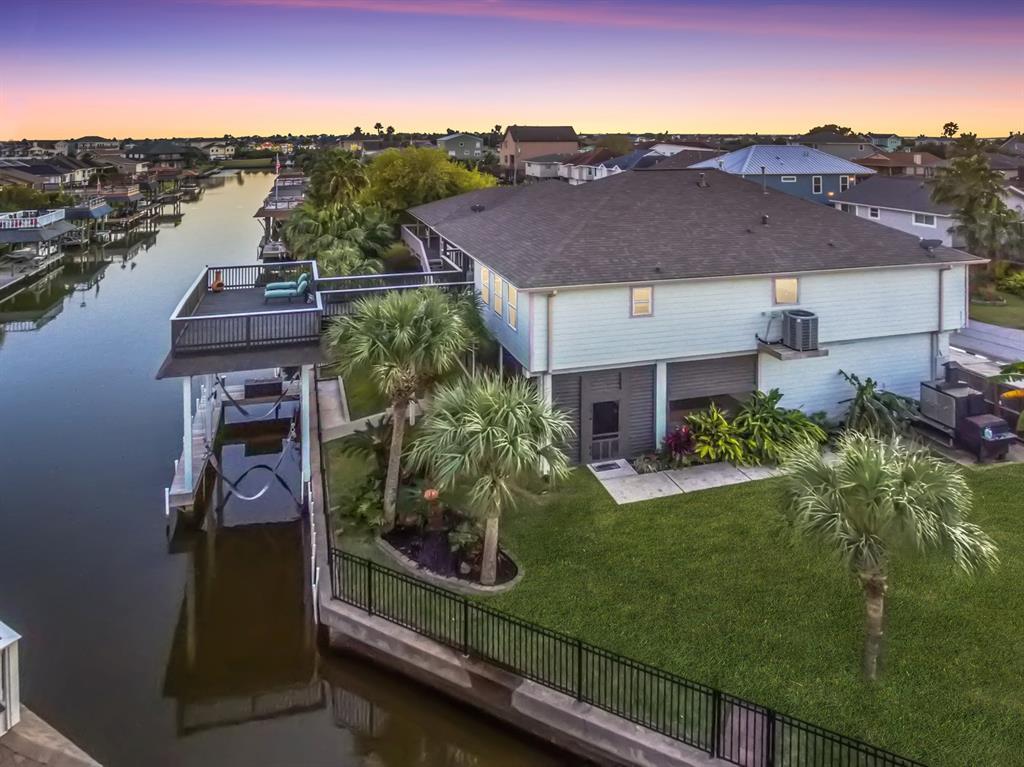 12 N Skimmer Street, La Marque, TX 77568 - La Marque, TX real estate listing