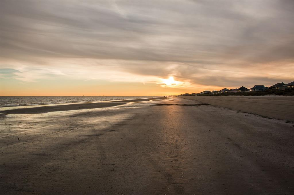 2384 Sand Drift Lane, Crystal Beach, TX 77650 - Crystal Beach, TX real estate listing