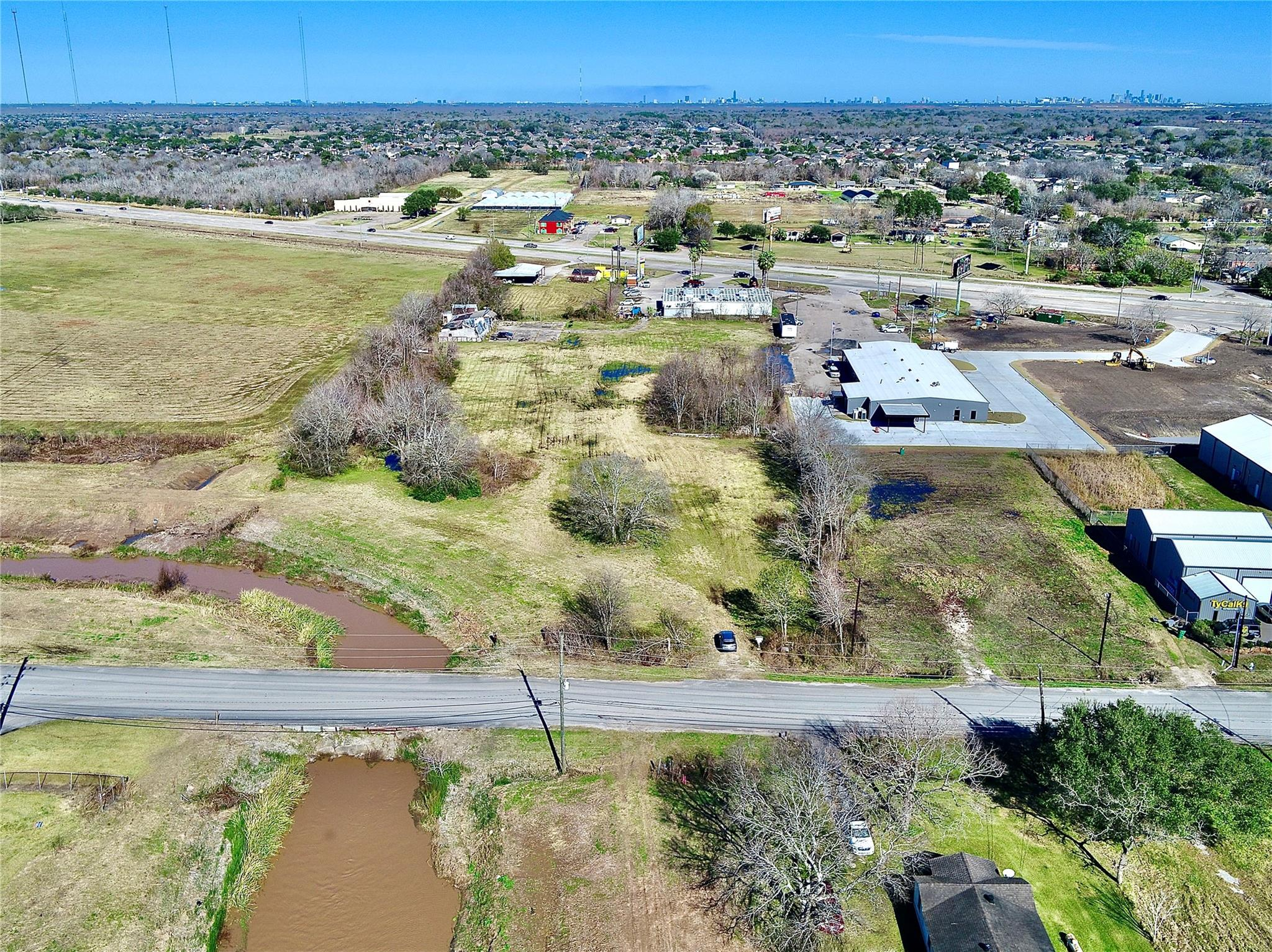 434 McKeever Road Property Photo - Arcola, TX real estate listing