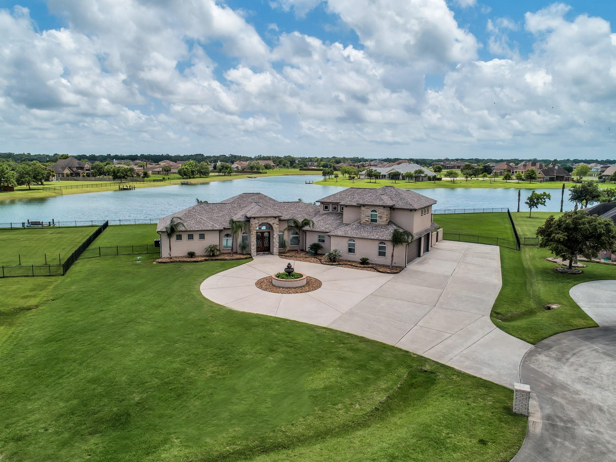 7026 Oak View Drive Property Photo