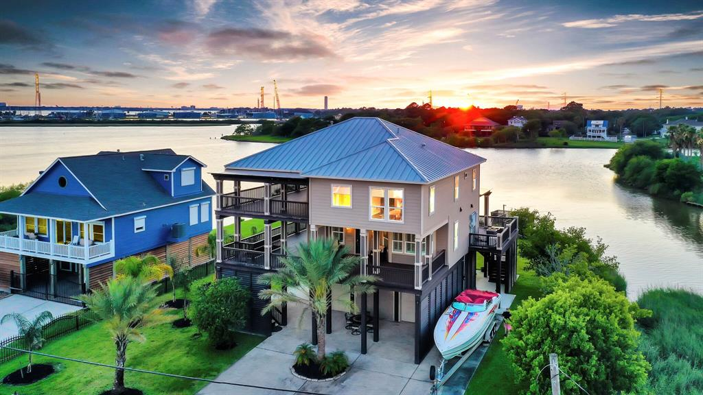 1015 Todville Road Property Photo - Seabrook, TX real estate listing