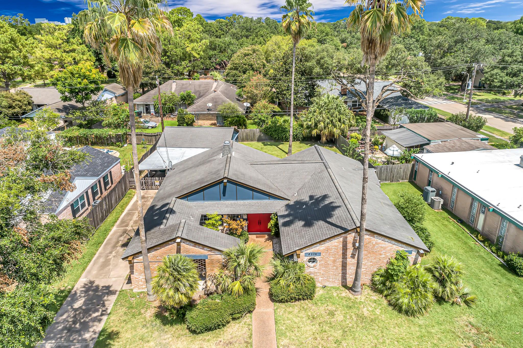8506 Dashwood Drive Property Photo - Houston, TX real estate listing