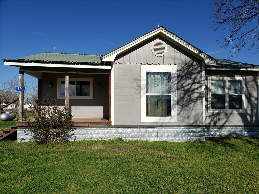 101 W Fayette Street, Ellinger, TX 78938 - Ellinger, TX real estate listing