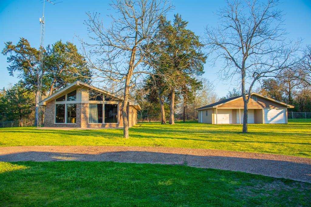 9880 Lake Forest Circle, Brenham, TX 77833 - Brenham, TX real estate listing