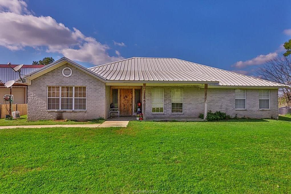 390 Flynt Road E Property Photo - Madisonville, TX real estate listing